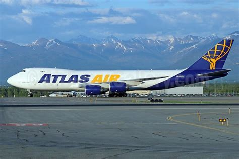 atlas air worldwide to acquire another boeing 747 800f freighter provides a fleet update