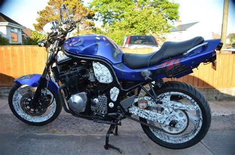 Suzuki Bandit 600 Custom Suzuki Bandit 600 Custom Paint Real Turner One