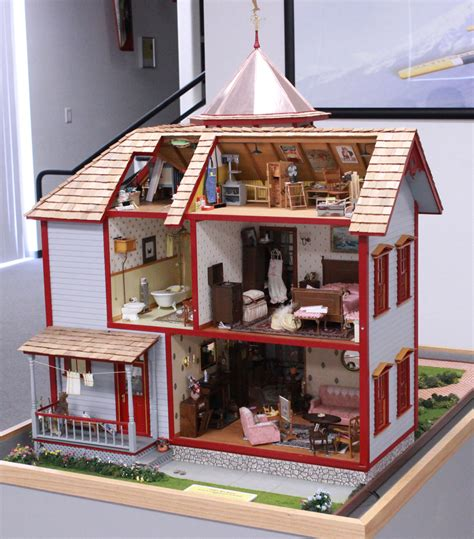 1930s dolls house 1940s dolls house wallpaper