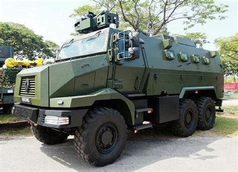renault trucks defense singapore unveils renault trucks defense higuard mrap