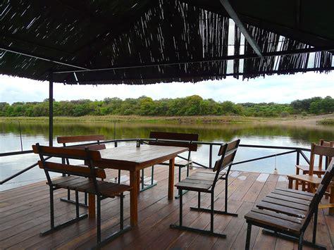okavango river boats okavango river hakusembe botswana pinterest rivers