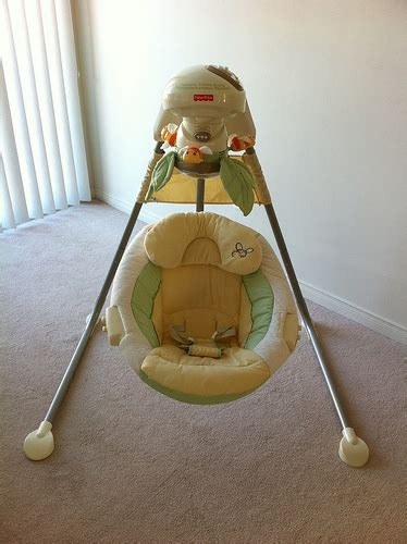 fisher price farm swing 75 fisher price nature s touch baby papasan cradle