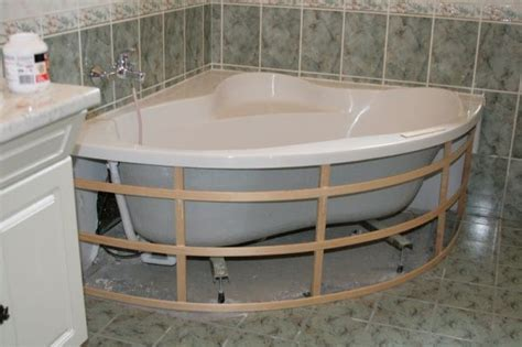 baignoire balneo bois comment habiller une baignoire d angle 34 messages
