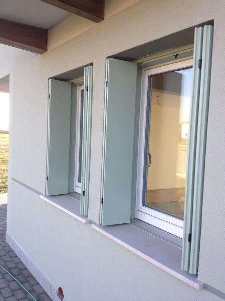 davanzale in alluminio foto finestre con davanzale in alluminio con taglio