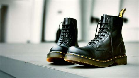Dr Martin High Shoes how to wear dr martens boots the idle