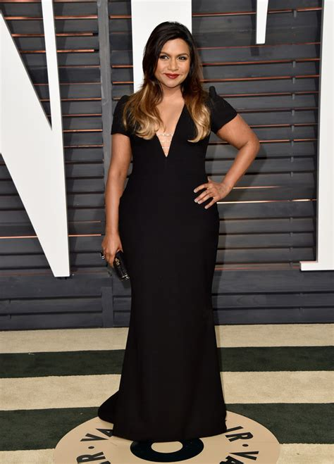 mindy kaling buzzfeed mindy kaling is killing it in this cute swimsuit
