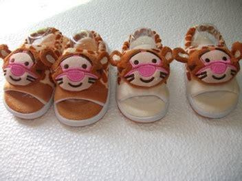 Prewalker Sepatu Bayi Import Motif Kotak grosir perlengkapan dan baju bayi import branded topi