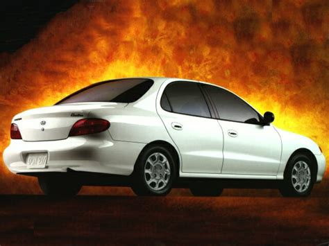 Hyundai Elantra 1996 by 1996 Hyundai Elantra Overview Cars
