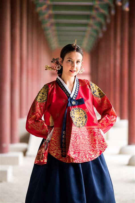 hanbok experience wearing traditional korean dress