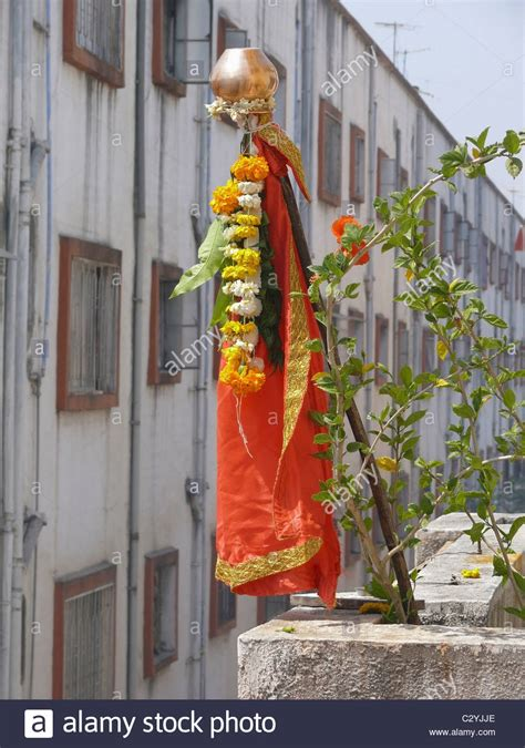 indian festival religion hindu gudhi gudipadva hindu new