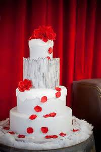 Adorable Christmas Wedding Cakes Weddingomania » Home Design 2017