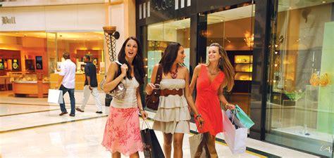 Shopping In luxury shopping court shops atlantis paradise