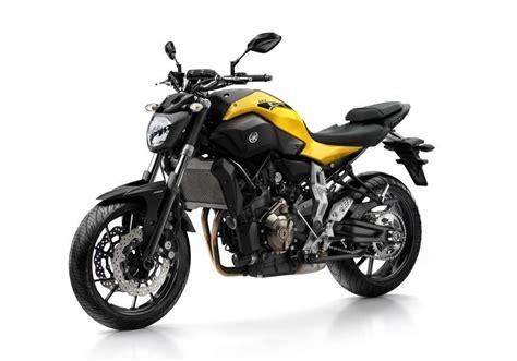 rent motocross bike uk yamaha mt 07 for hire from roadtrip