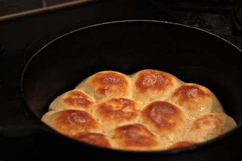 the giggling gourmet dutch oven dinner rolls