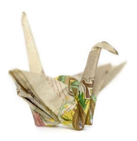 Ten Pound Note Origami - 10 note origami crane photo free