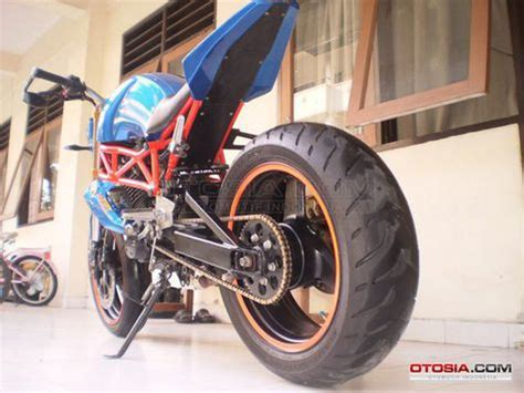 Motor Yamaha Byson 2011 Stiker Lis Striping Stripping modifikasi mercon motor car interior design