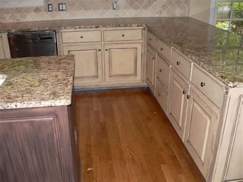 glaze finish kitchen cabinets kitchen cabinet faux paint finishes glazed kitchen