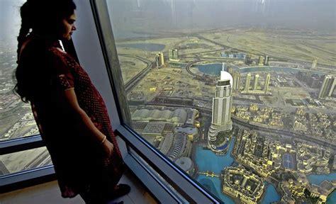 Burj Khalifa by Dubai Die K 252 Nstler Des Nahen Ostens Reise Badische