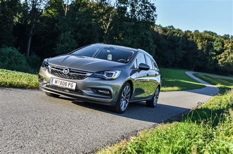 Opel Astra 1 4 Turbo Test by Opel Astra Sports Tourer Innovation 1 4 Turbo