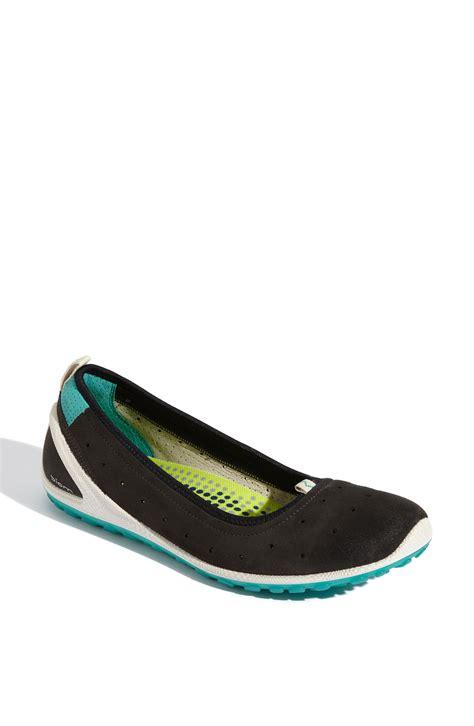 ecco flat shoes ecco biom lite ballerina flat in black shadow lyst