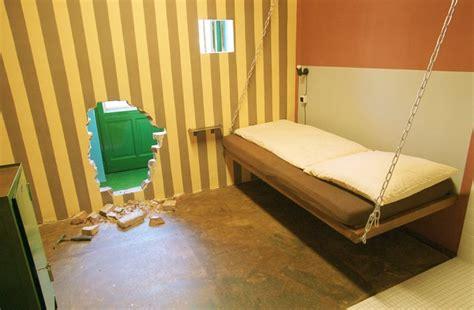chambre prison des chambres d h 244 tel inusit 233 es lapresse ca