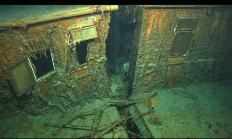 show port side of boat an undersea photograph of the titanic wreckage shows the