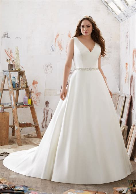 wedding hairstyle ideas for plus size what are the best solutions for plus size brides tips on