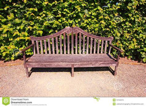 banc anglais vieux anglais banc dans le jardin photos stock image