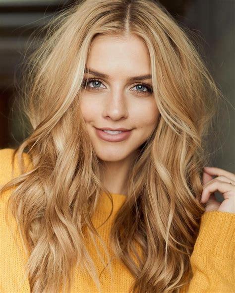 izbeljivanje boja sa kose med plava boja kose koja vlada svijetom ovog proljeća