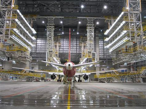 aircraft maintenance hangar qantas hangar 245 precise air