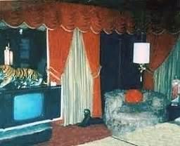 elvis presley bedroom graceland tour dated 1977 elvis presley news elvis news