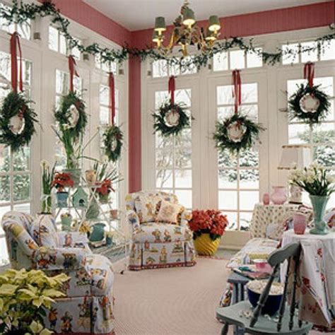 Christmas Home Decorations Pictures | christmas decorating ideas for small apartment