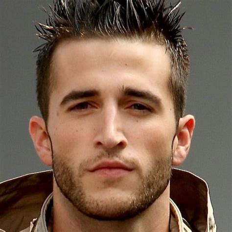 Quel style de barbe choisir en fonction de son visage