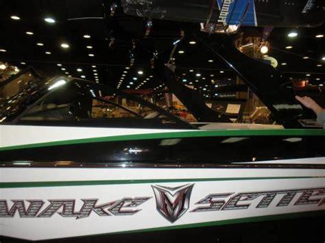 wake boat graphics 2009 nashville boat show wakeboarder wakeboarding news