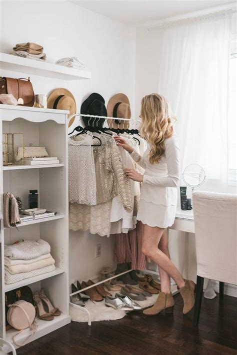 small bedroom closets best 25 bedroom designs ideas only on pinterest bedroom 13209 | 7627fc619daba3991d07d6bfcab40bbd wardrobe room closet rooms