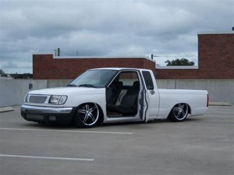 bagged nissan frontier custom frontier d21 chopped bagged trinituner com