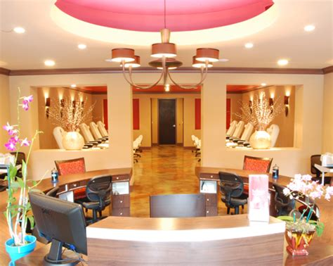 Nail Salon by Top 35 Images Of Nail Salons Interior Nailkart