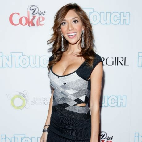 farrah abraham gets a 'mom' tattoo in honor of herself