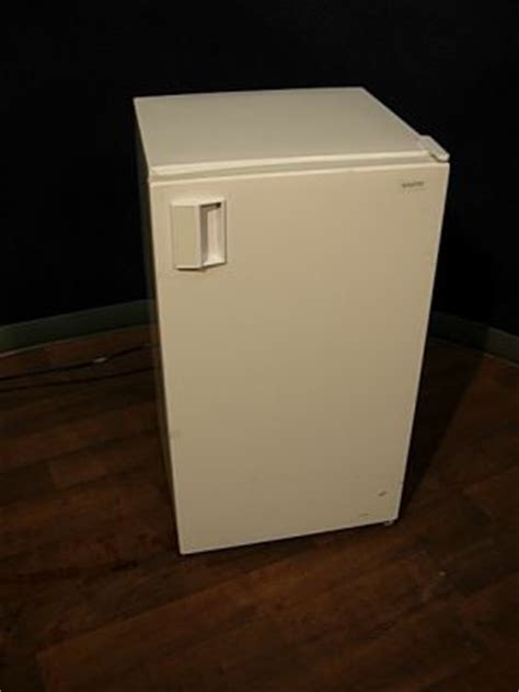 Chest Freezer Sanyo Sf C21kp used sanyo sr 361w undercounter refrigerator freezer for