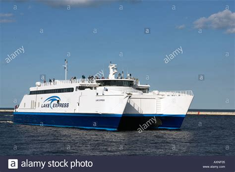 ferry boat lake michigan wisconsin milwaukee lake express ferry service boat on