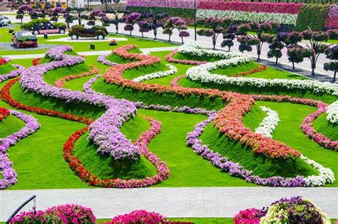 Largest Flower Garden Travel Trip Journey Dubai Miracle Garden World