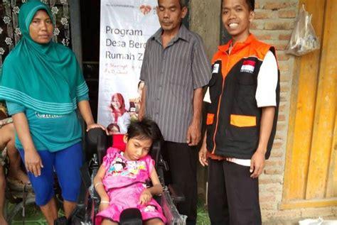 Kursi Roda Untuk Penderita Stroke islam bantuan kursi roda untuk nirmala penderita celebral