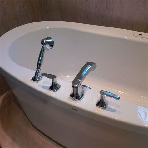 Standard Tub With Jets 76 Best Ideas About Caledon Tile Bathroom Renovations On
