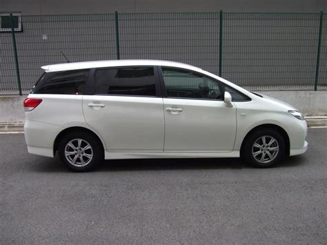 toyota wish rent a toyota wish 1 8 x mpv by ace drive car rental