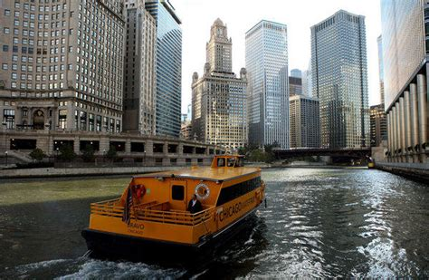 boat tours in chicago today chicago water taxi offering free rides today