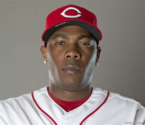 Chapman 4 1 Mba by Reds Pitcher Aroldis Chapman Hit In By Line Drive