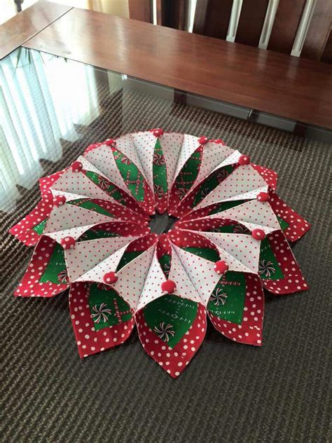 Patchwork Wreath Pattern - fold n stitch wreath fold and stitch wreath poorhouse