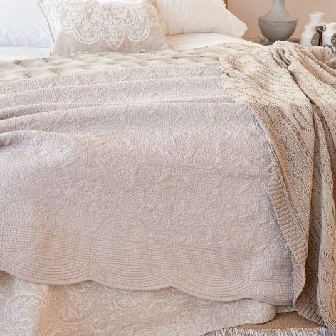 cuscini zara home le 25 migliori idee su trapunte da letto su