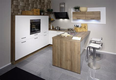 cucina a penisola cucine con penisola moderne e capienti clara cucine