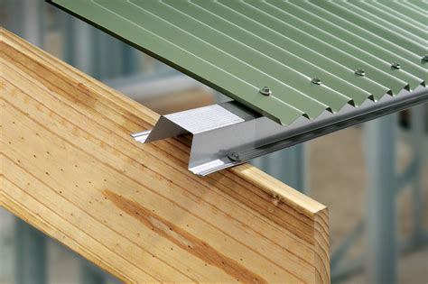 Installing Ceiling Battens by Roof And Ceiling Battens Stratco